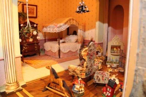 astolat dollhouse2