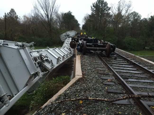 texas train derails