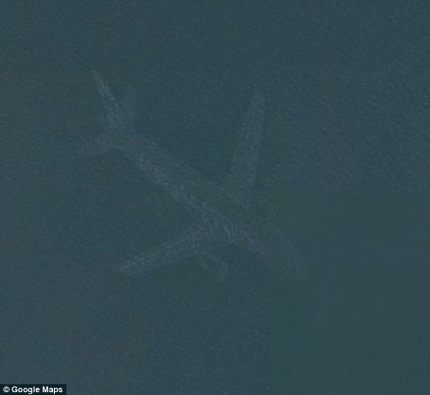A Mystery Plane Was Spotted In The Bottom Of A Minneapolis Lake On Google Earth