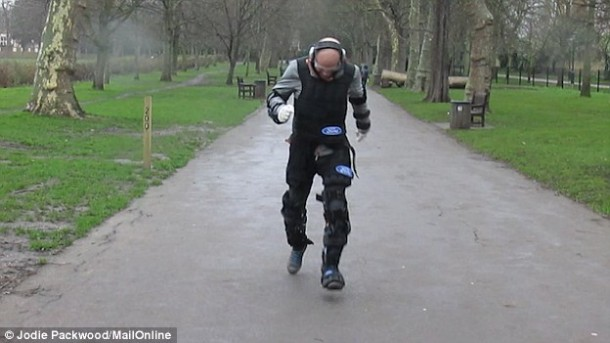 Ford's Third Age Suit Will Let You Experience Old Age 3