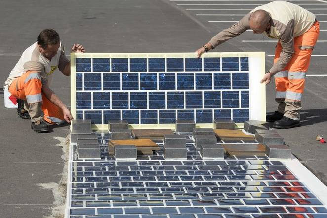 France Is Constructing The World's First Solar Road That Will Be 1000 Km Long