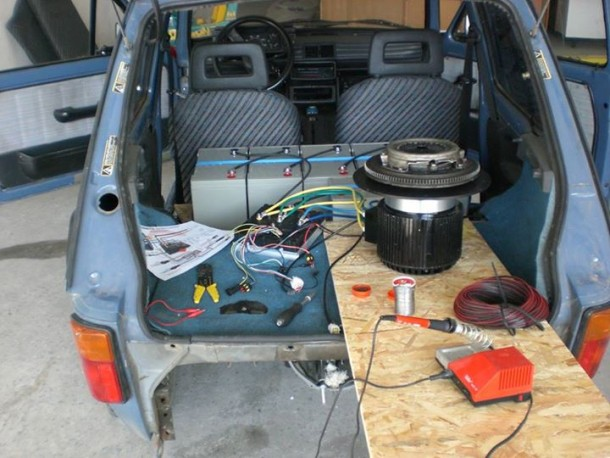 He Converted An Old Fiat Into An Electric Vehicle (29)