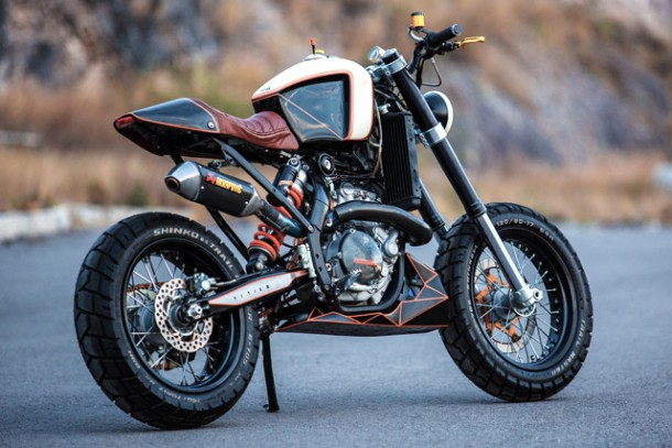 KTM 450 by Vitium Moto Is An Unconventional Motorcycle 3