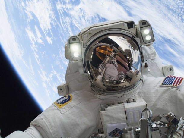 These are the last things That an astronaut does before going Into Space 3