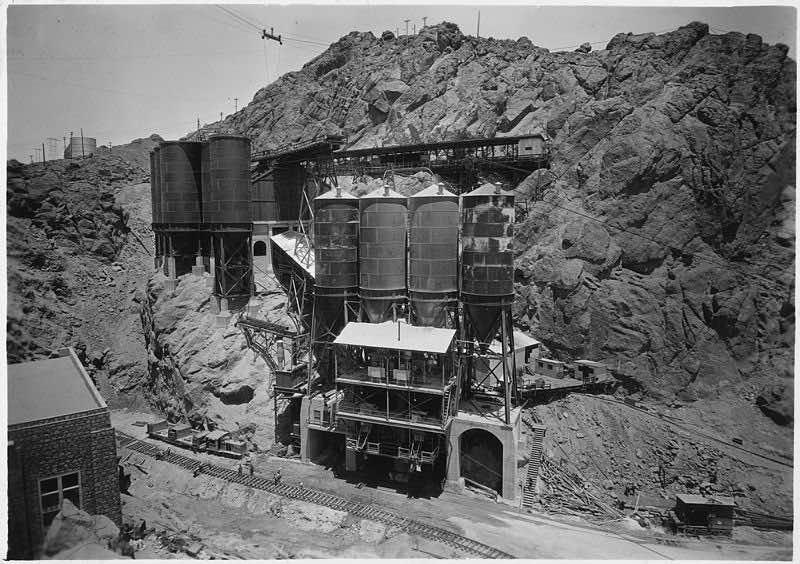 Hoover dam2
