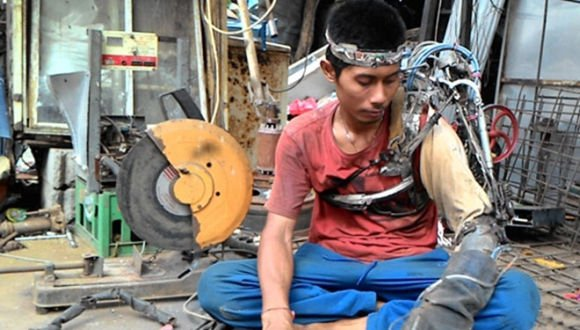 Indonesian Iron Man, A Feat Of Science Or Fake Story