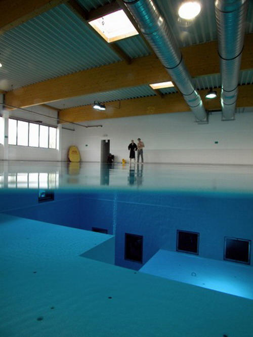 Check Out The Deepest Pool In The World 10