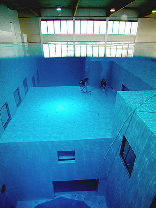 Check Out The Deepest Pool In The World 3