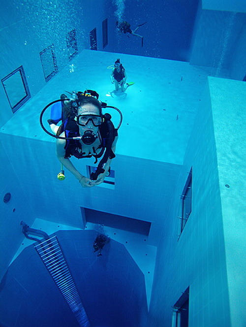 Check Out The Deepest Pool In The World 5