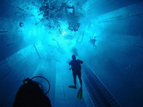 Check Out The Deepest Pool In The World 7