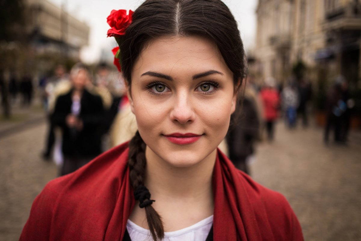 Photographer Travels The World Taking Pictures Of The Most Beautiful Women In Each Country