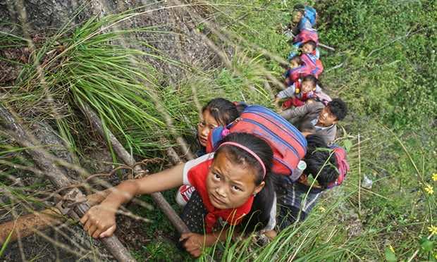 China insane climb for students2