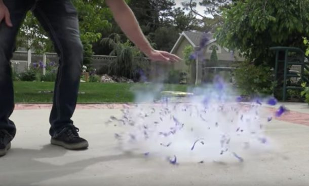 He Fills A Balloon With Liquid Nitrogen What Happens Next Will Leave You Flabbergasted_Image 2