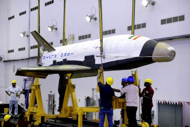 Here Are The Amazing Pictures From The Indias First Ever Space Shuttle Launch_Image 1
