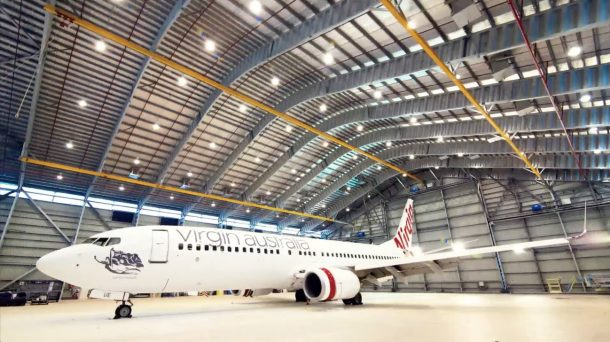 Here Is The Incredible Video Showing The Virgin Australia Boeing 737 As Its Paint Melts Off _Image 3