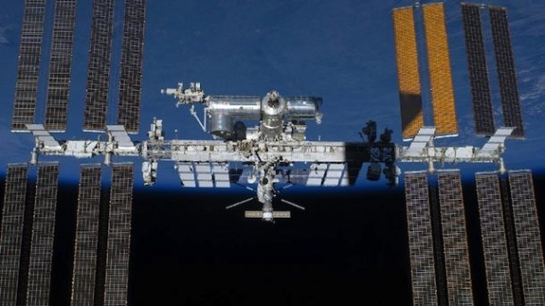 ISS completes 100 000th orbit of Earth mission control_Image 2