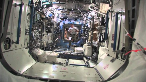 ISS completes 100 000th orbit of Earth mission control_Image 3