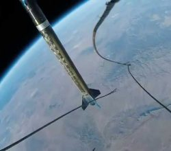 Incredibly mesmerising video of a GoPro aboard a sub-orbital rocket_Image 5