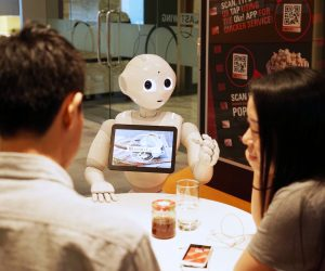 Pepper The Robot Is Now A Pizza Hut Cashier_Image 1