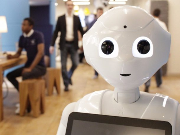 Pepper The Robot Is Now A Pizza Hut Cashier_Image 2
