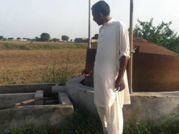 Poo-Powered Pumps Help Pakistan Farmers Grow Richer Greener_Image 3