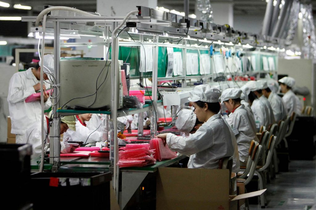 Rise Of AI Apple's iPhone Manufacturer Replaced Over Half Of Its Workers In One Factory With Robots_Image 2
