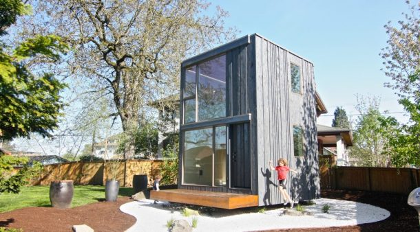 Rotating Tiny House In Portland Soaks Up Sunshine All Day Long_Image 2