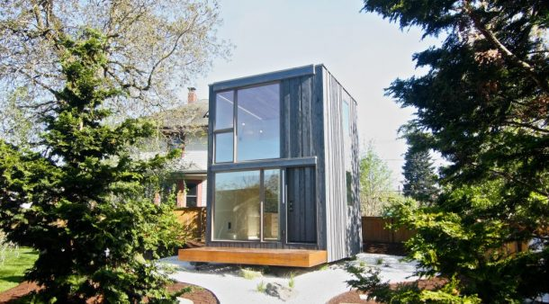 Rotating Tiny House In Portland Soaks Up Sunshine All Day Long_Image 5
