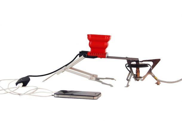 The Mind-Blowing Way To Charge Your iPhone And Other Gadgets With Fire And Water_Image 4