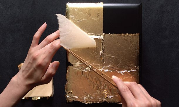 The Old School Method of Making Impossibly Thin Gold Leaves from a Tiny Piece of Gold_Image 3