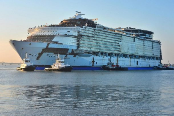 World's Largest Cruise Ship Flaunting Futuristic Features Docks in the UK_Image 18