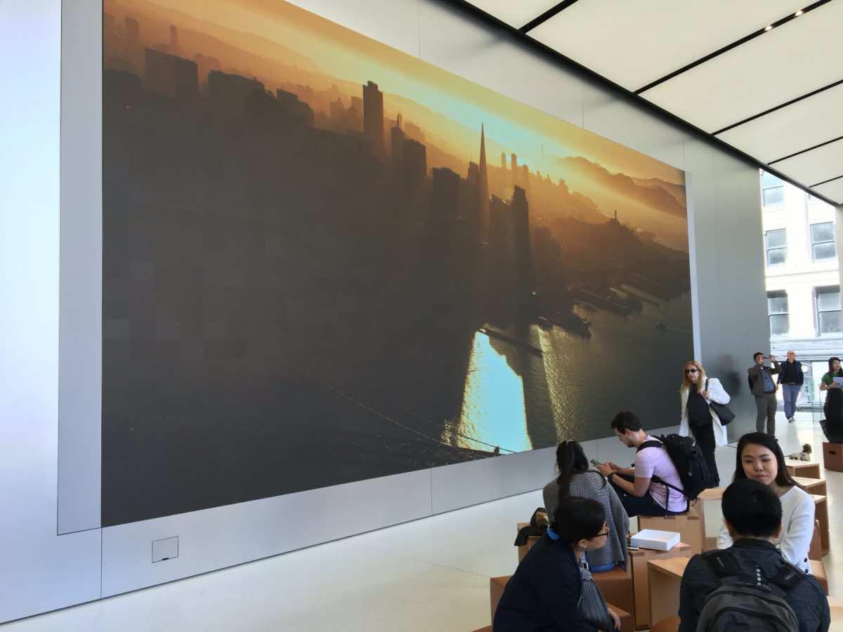 1 million dollar stair Apple store