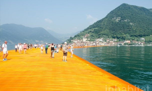620,000 People Walk On Water Of Lake Iseo_Image 1