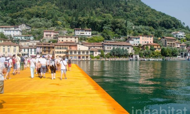 620,000 People Walk On Water Of Lake Iseo_Image 10