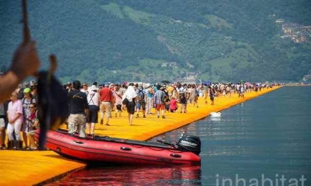 620,000 People Walk On Water Of Lake Iseo_Image 16