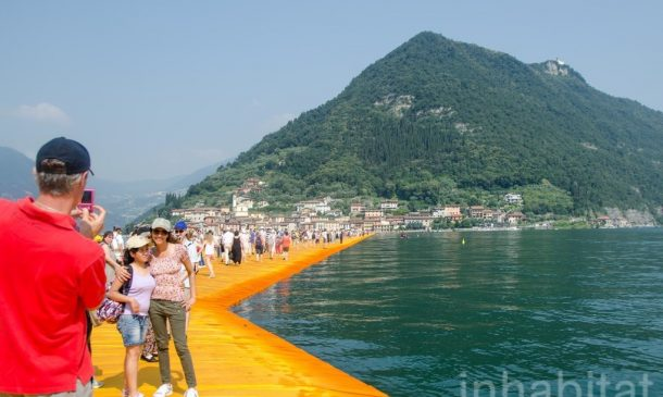 620,000 People Walk On Water Of Lake Iseo_Image 7