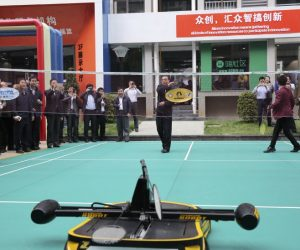 China badminton playing robot4