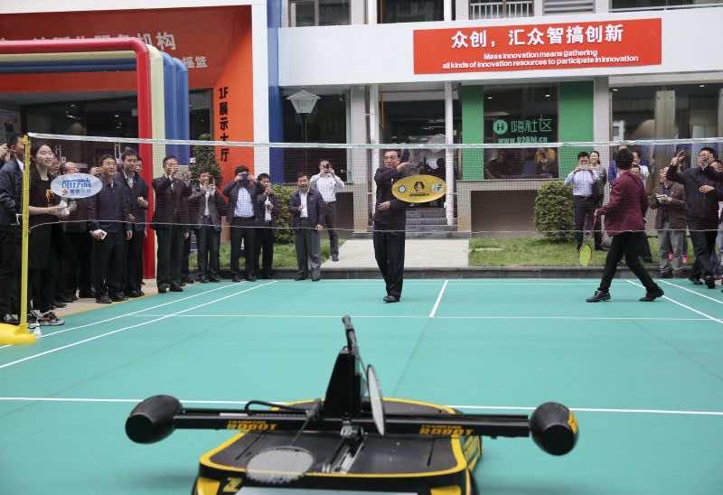 China badminton playing robot4