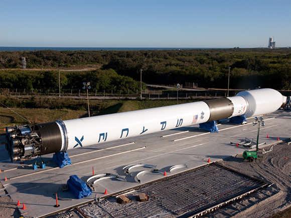 Falcon 9 model rocket3