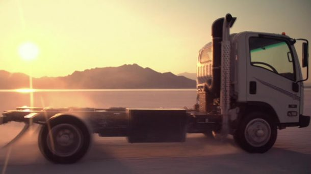 Tesla Co-Founder Creates Self-Charging Garbage Truck_Image 1