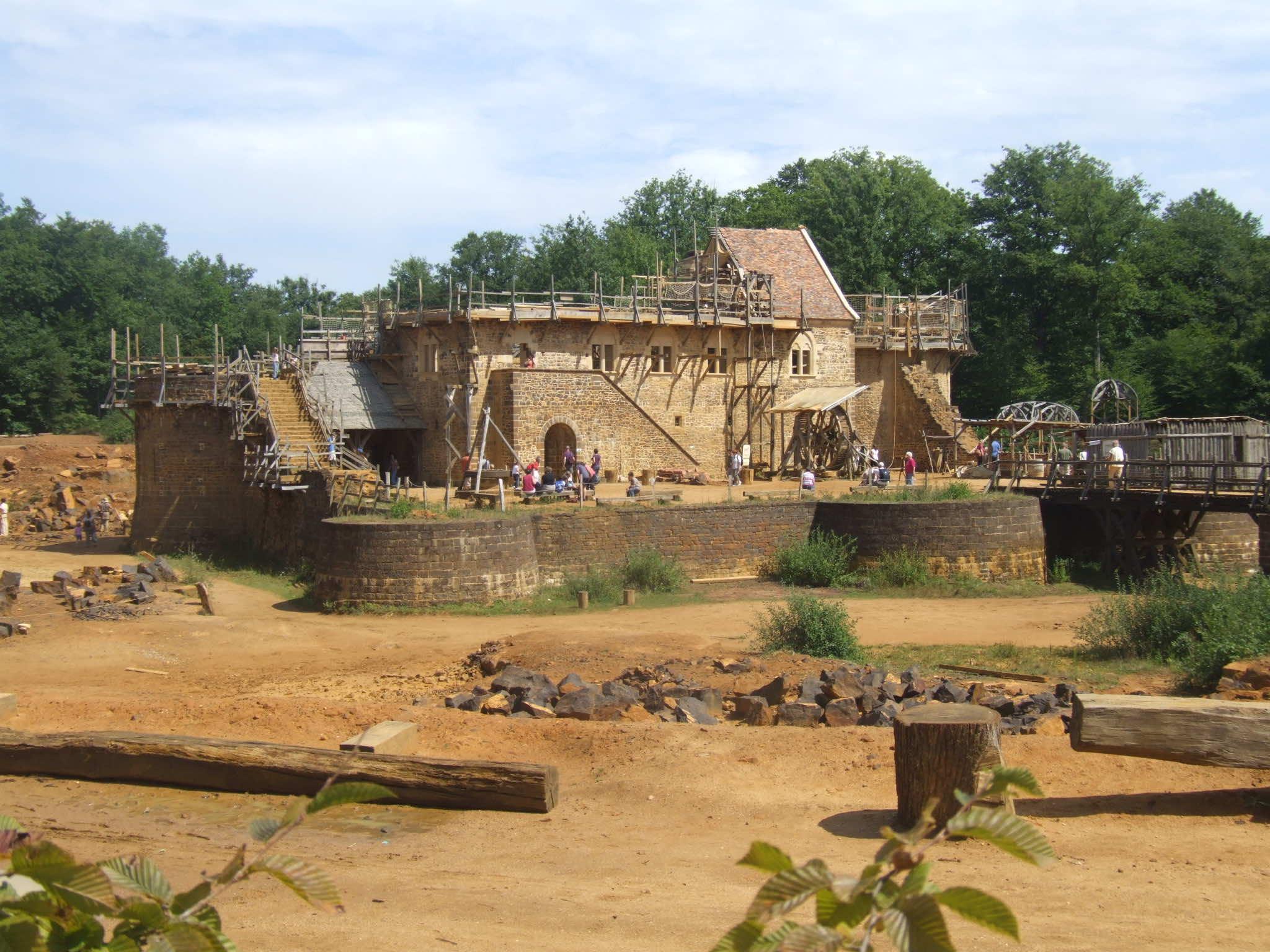 guidelon castle