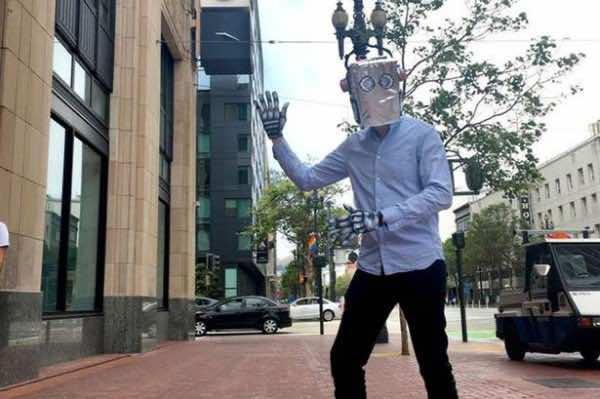 jobseeker becomes robot to land job2