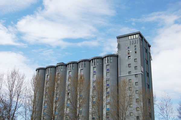 6 Abandoned Grain Silos Remodeled Into Stylish, Modern Homes_Image 36