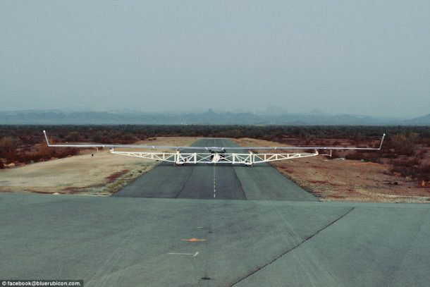 Facebook's Giant Solar-Powered Internet Drone Just Completed Its Maiden Voyage_Image 5