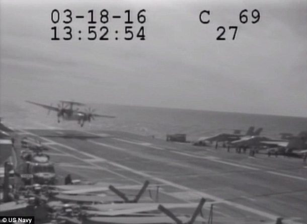 Navy Plane Nearly Crashes Into The Sea After Metal Cable Snaps_Image 0