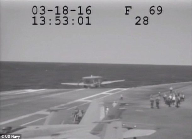 Navy Plane Nearly Crashes Into The Sea After Metal Cable Snaps_Image 3
