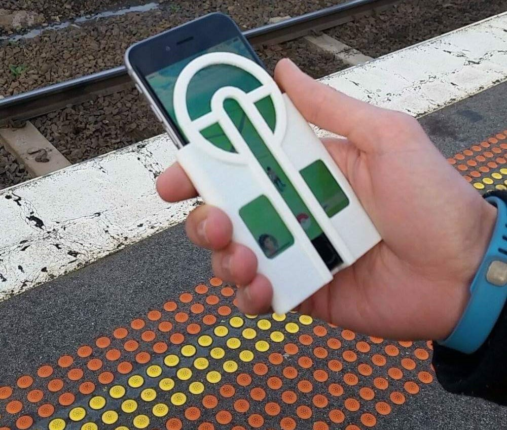Never Miss Another Pokémon With This 3D Printed Phone Case To Aim Your Pokéballs_Image 0