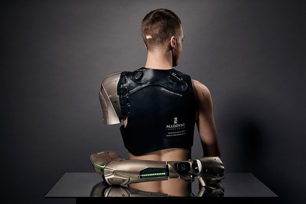 Spiked Leg and Gadget Arms Bring Art To Prosthetic Limbs_Image 42