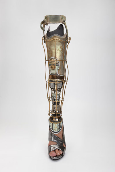 Spiked Leg and Gadget Arms Bring Art To Prosthetic Limbs_Image 8