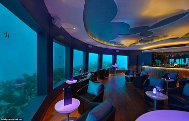 Subsix A Unique Dining 20 Feet Under the Indian Ocean_Image 3